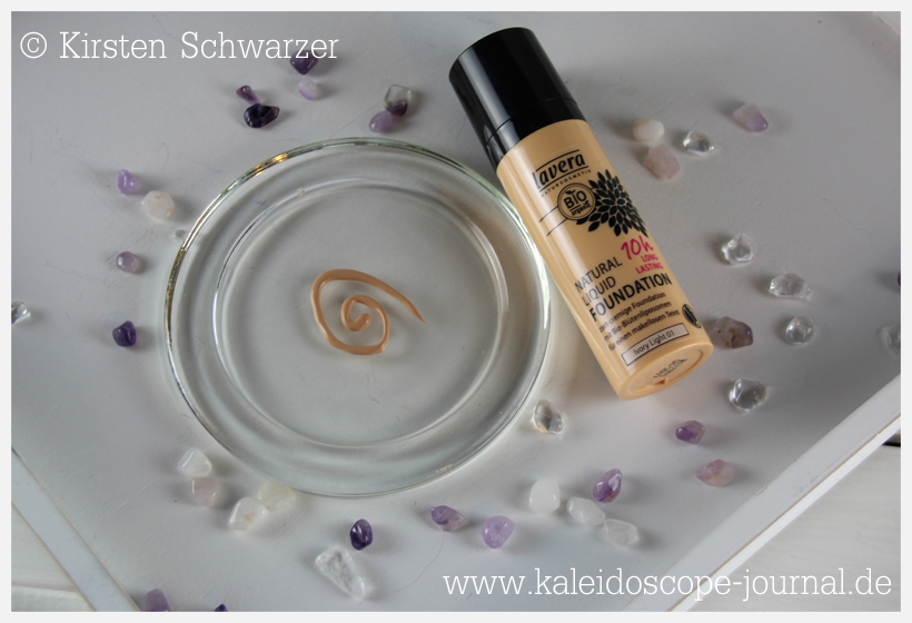 Natürliches Frühlings Make-up: die Natural Liquid Foundation von lavera, www.kaleidoscope-journal.de, Kirsten Schwarzer